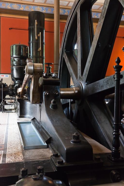 Historisches Wasserwerk Augsburg  Wasserpumpen Schwungrad mit Pleuel