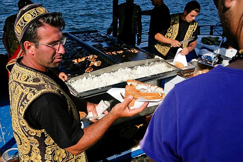 Istanbul Fischverkäufer Eminönü