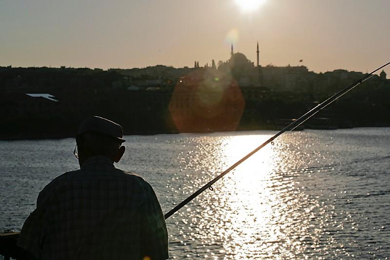 Istanbul Fischer am goldenen Horn