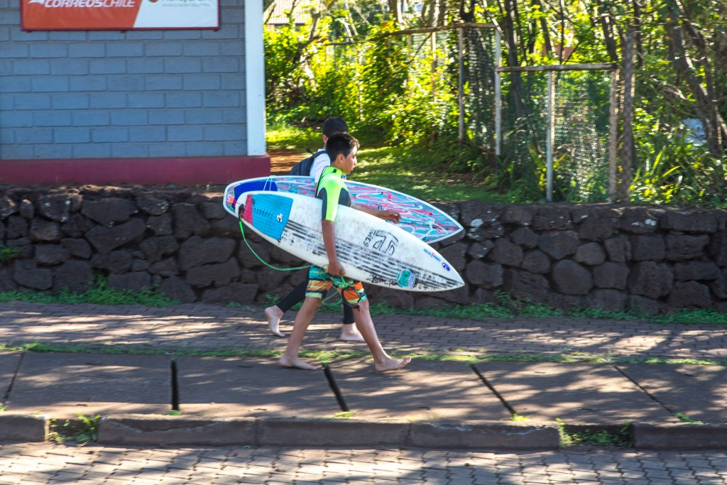 Osterinsel Surfer